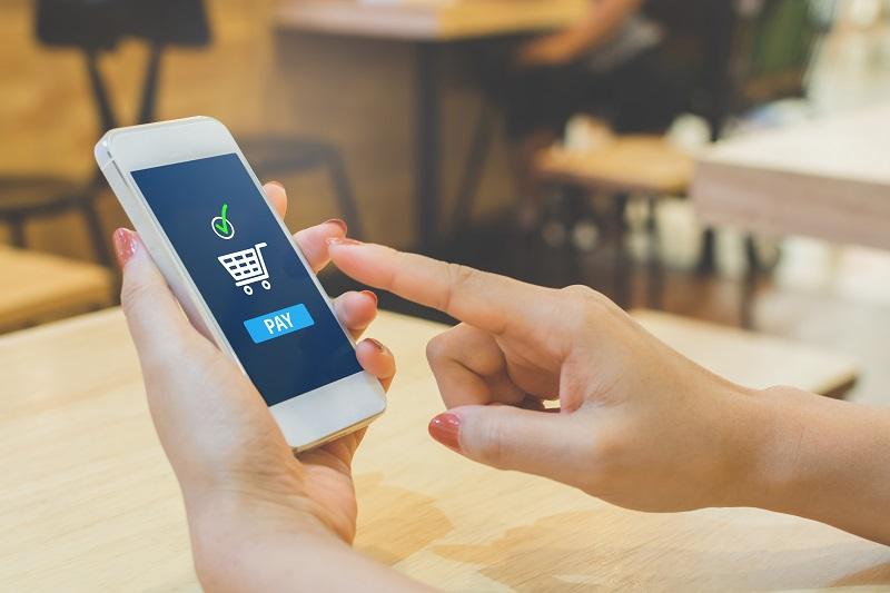 ¿Está preparado tu taller para los pagos con el móvil? Un tercio de los españoles ya paga así